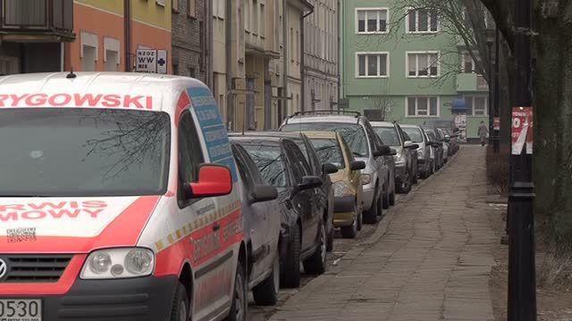 Będą płacić za parkowanie pod własnymi domami?