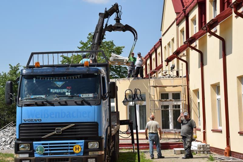 Będzie większy parking przy DPS w Kurowie w gminie Baruchowo