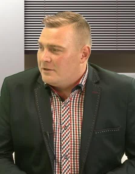 Czerwona kanapa – Roman Gołębiewski