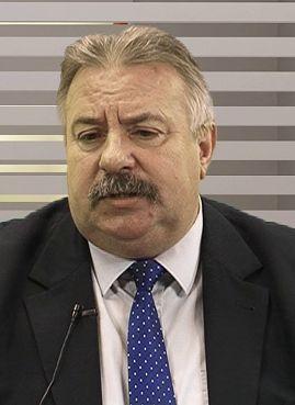 Czerwona kanapa – Stanisław Sadowski