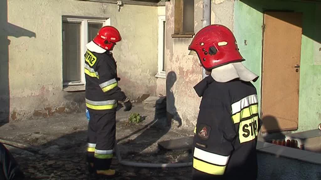 Groźny pożar na zakręcie. Dwie osoby trafiły do szpitala!