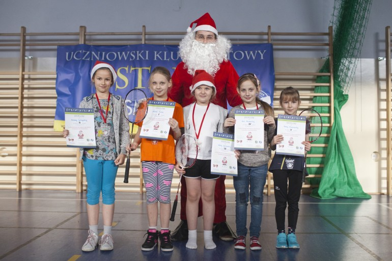 III Otwarty Mikołajkowy Turniej Badmintona w Smólniku- zdjęcia