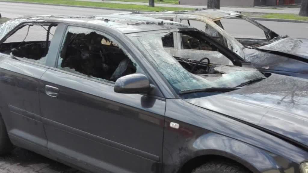 Kolejne podpalone samochody na osiedlu Południe – zobacz video