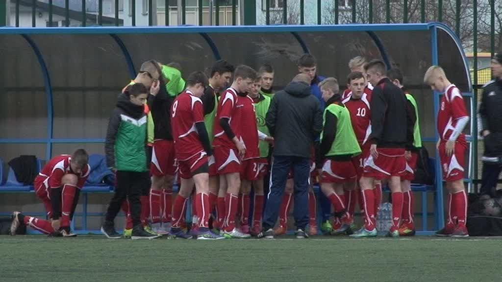 Młodzi piłkarze rozpoczęli turniej Lider Karpol 2016!