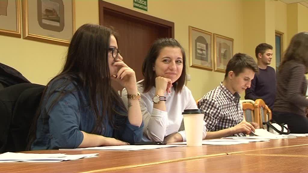 Młodzi radni dyskutowali nad nowym statutem