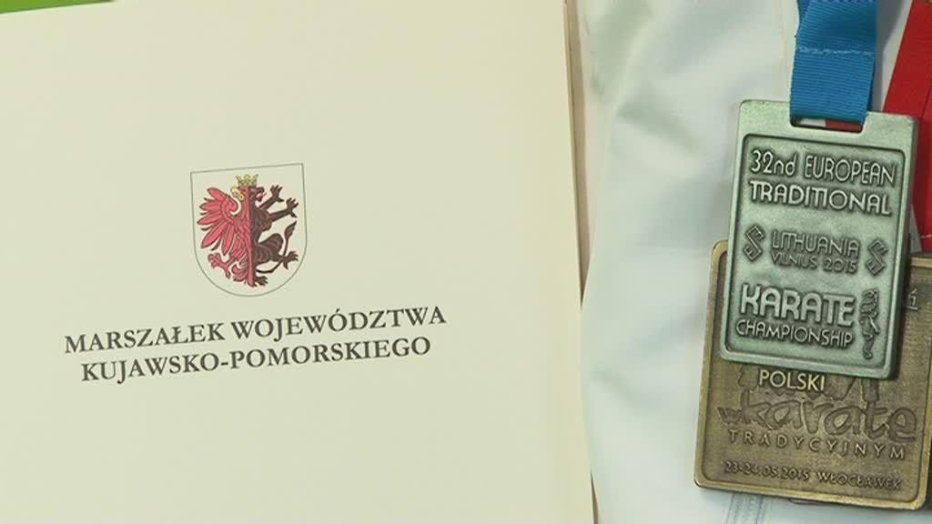 Najlepsi sportowcy we Włocławku docenieni przez Marszałka