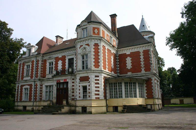Pałac w Brzeziu na razie nie zmieni właściciela