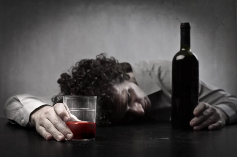 Pijani opiekunowie półtorarocznej dziewczynki trafili do aresztu