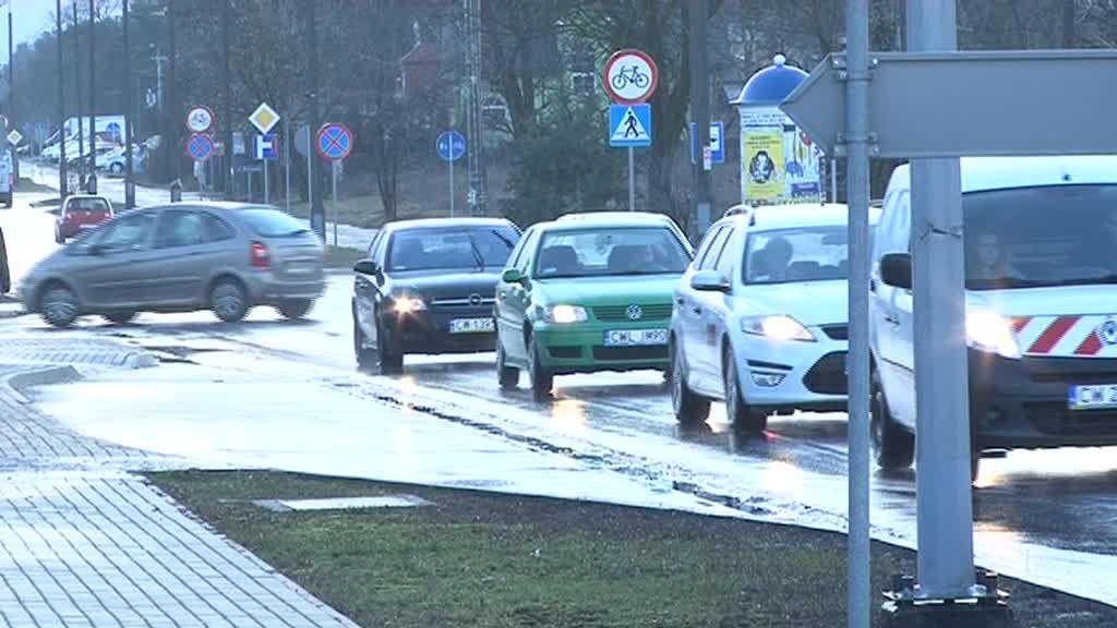 Porywisty wiatr powoduje zagrożenie na drogach!