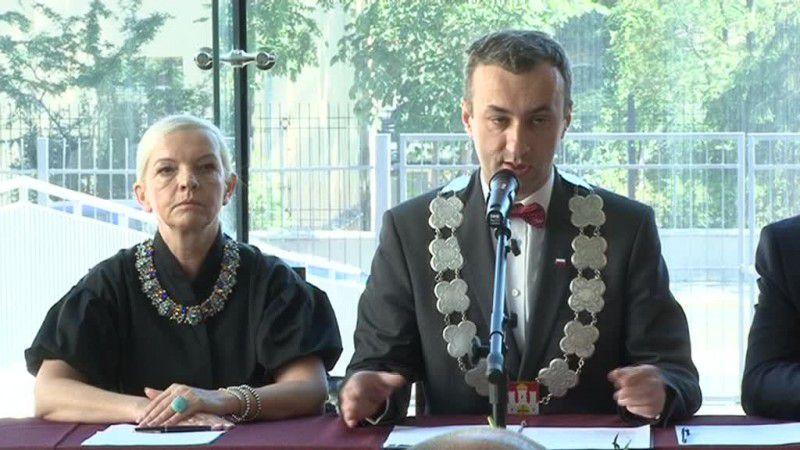 Specjalna uchwała i sesja Rady Miasta poświęcona Janowi Pawłowi II